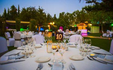 Iluminación para una boda al aire libre
