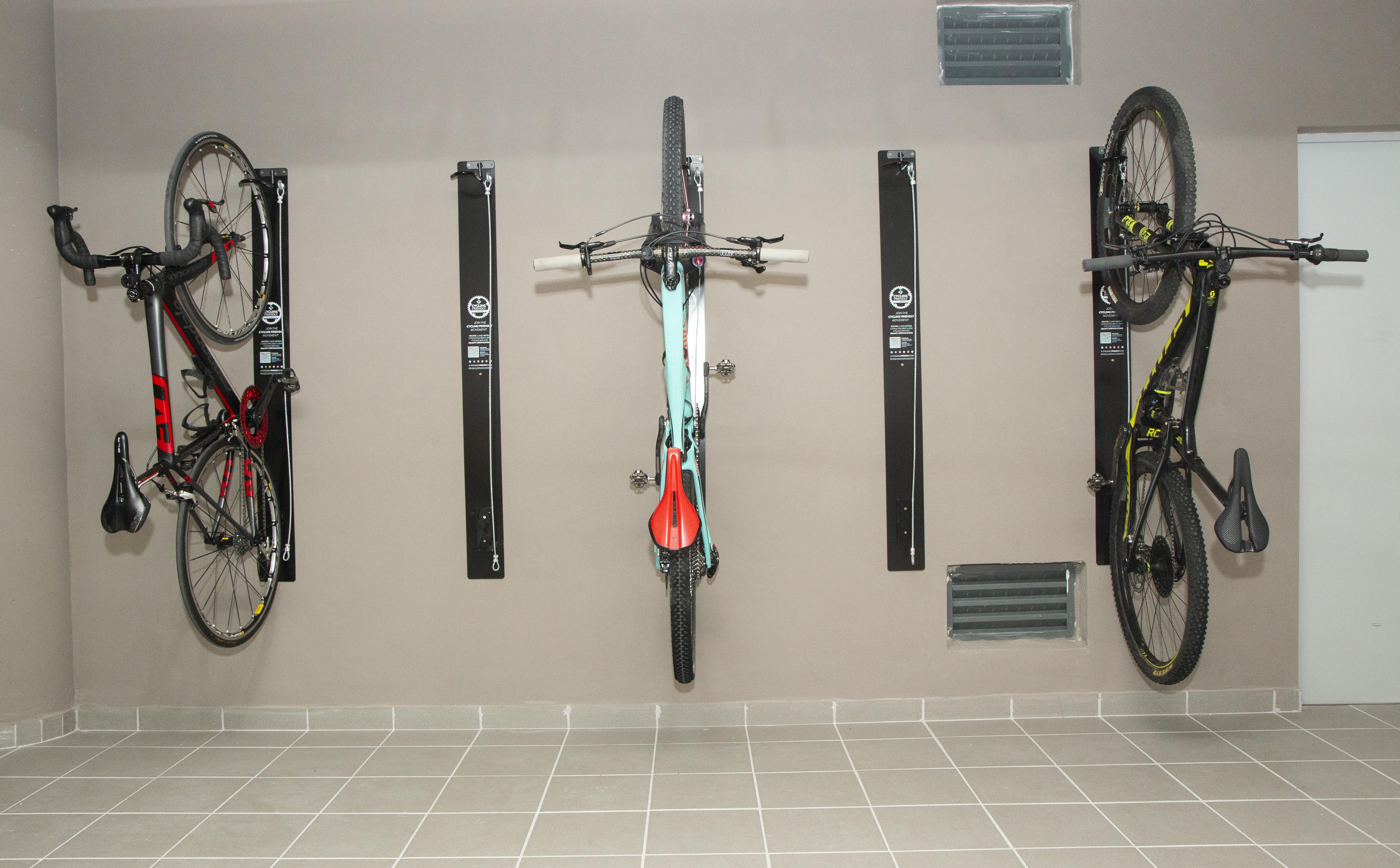 Imagen que contiene bicicleta, garaje
